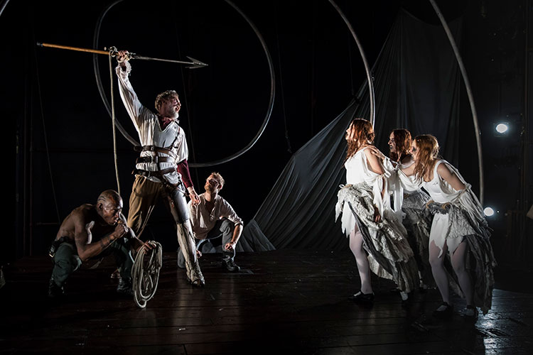 Review: MOBY DICK at Lookingglass Theatre Company