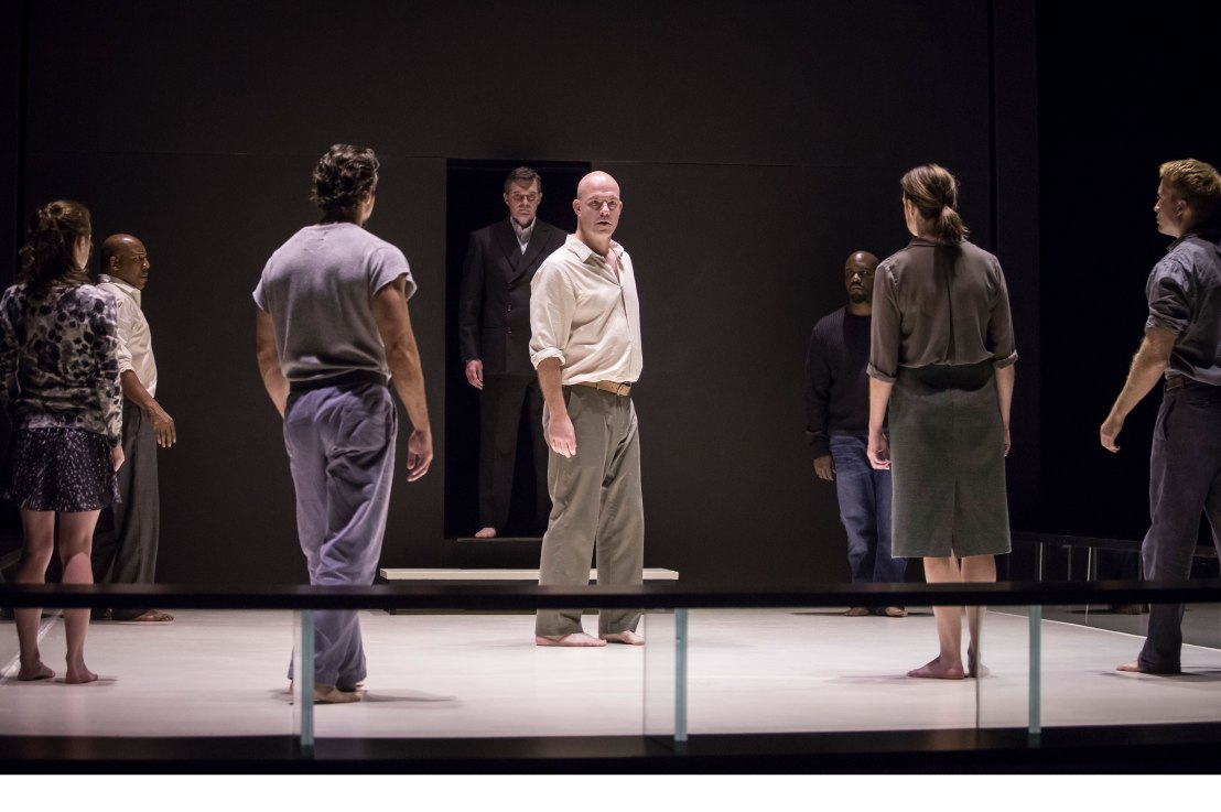 Review: A VIEW FROM THE BRIDGE at GoodmanTheatre