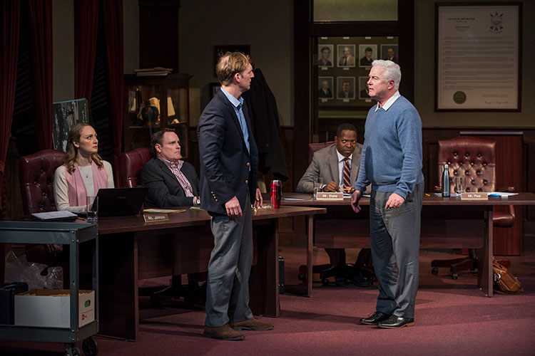 Review: THE MINUTES at Steppenwolf Theatre Company