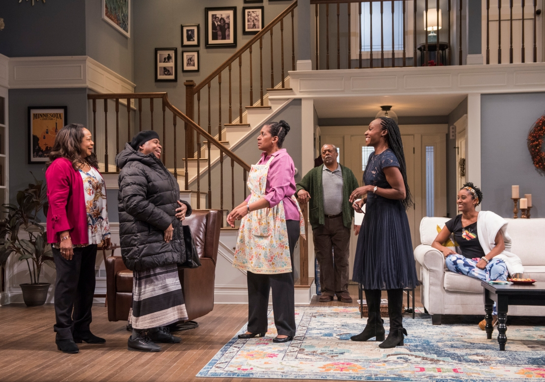 Review: FAMILIAR at Steppenwolf Theatre Company