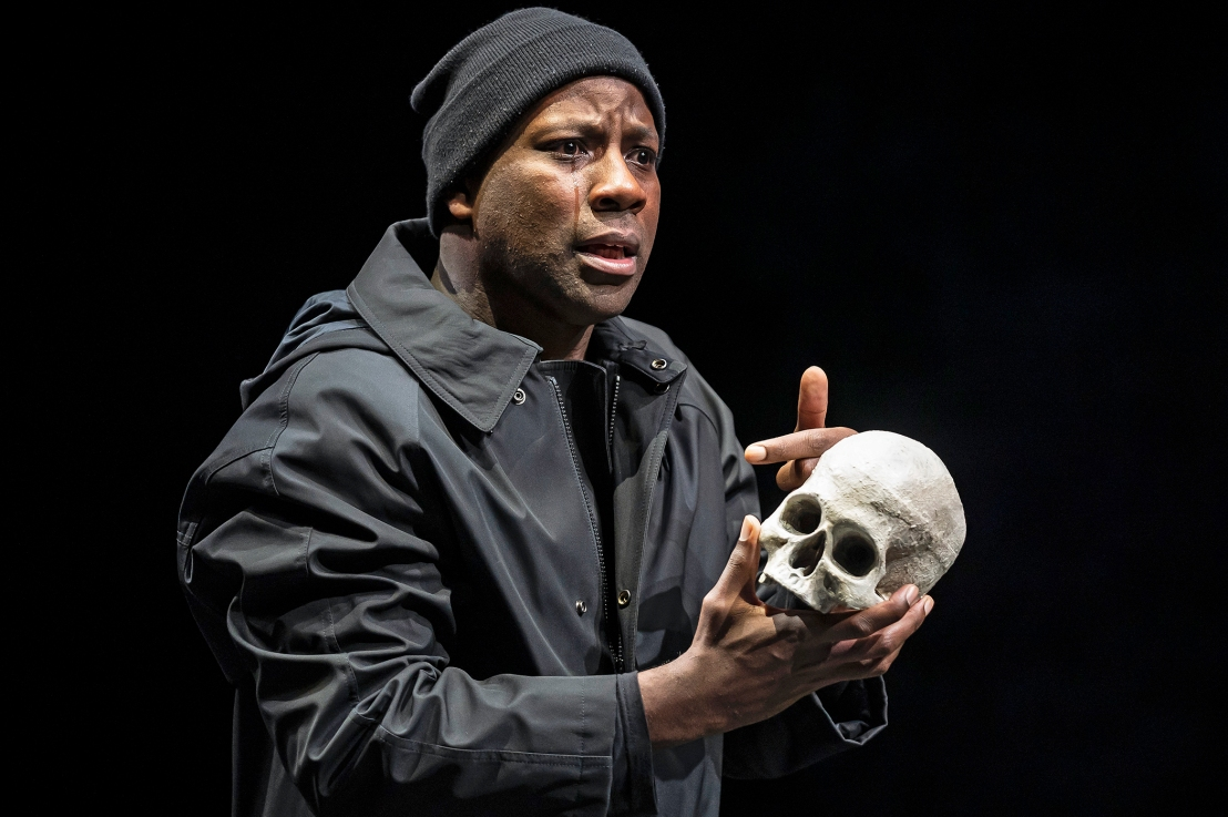 BWW Review: HAMLET at Chicago Shakespeare Theater