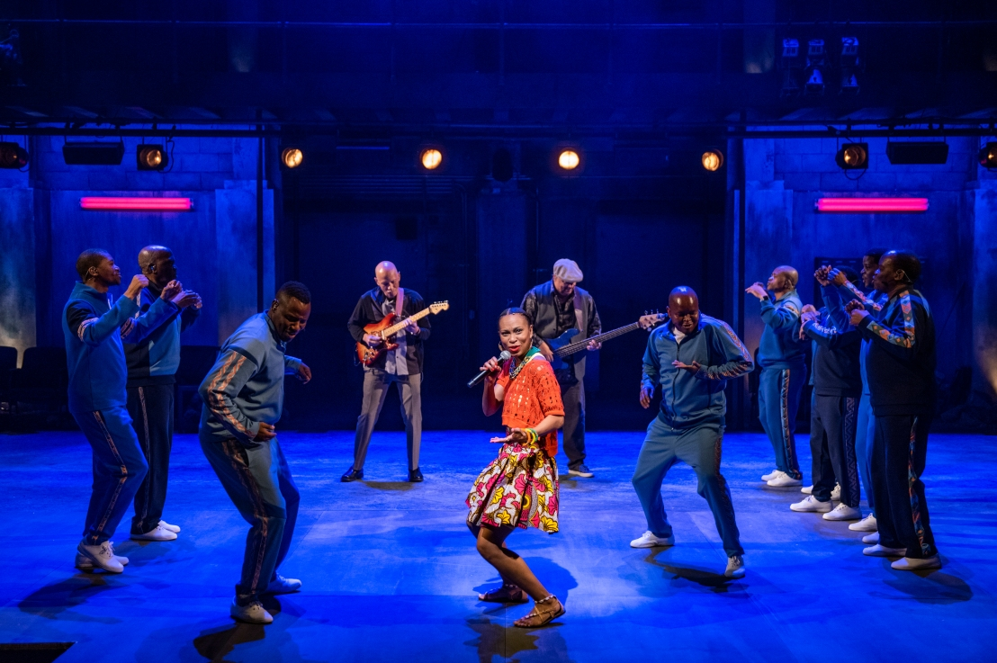 Review: LINDIWE at Steppenwolf Theatre Company
