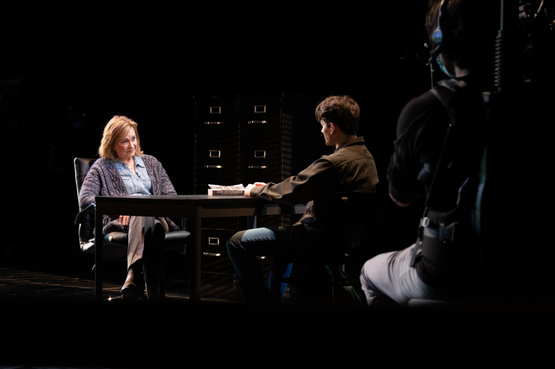 Review: THE SOUND INSIDE at GoodmanTheatre